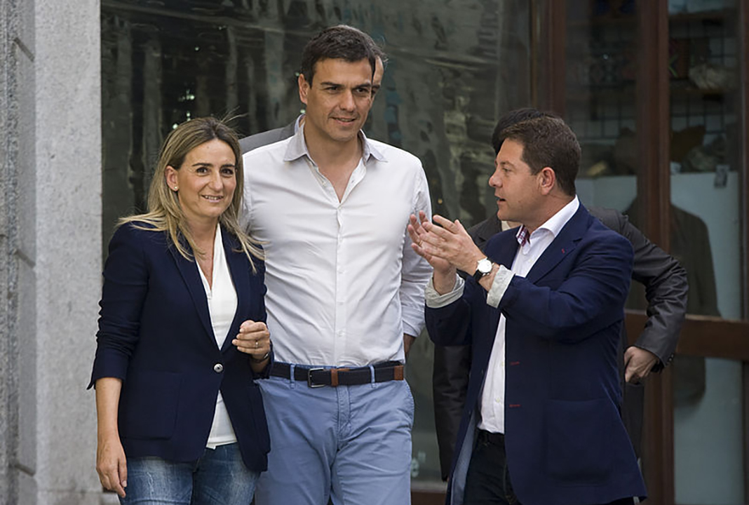 Page con Pedro Sánchez en Toledo, en mayo de 2015. WIKIPEDIA