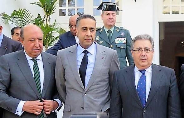 Zoido y López Iglesias, a los lados de la imagen, carecen de la preparación necesaria. RED MARRUECOS