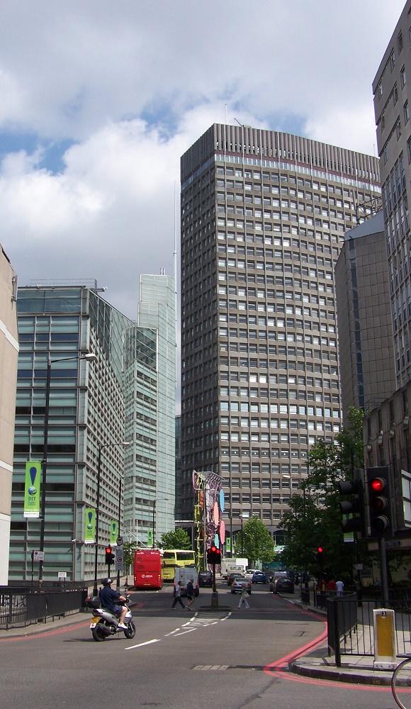 Imagen de la City. Las empresas y los bancos están muy preocupados. PROPRONEWS