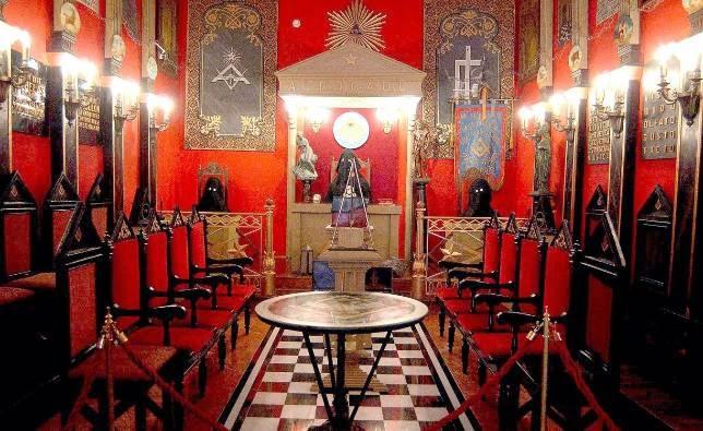 Reproducción malintencionada de un templo masónico existente en el Archivo de Salamanca.