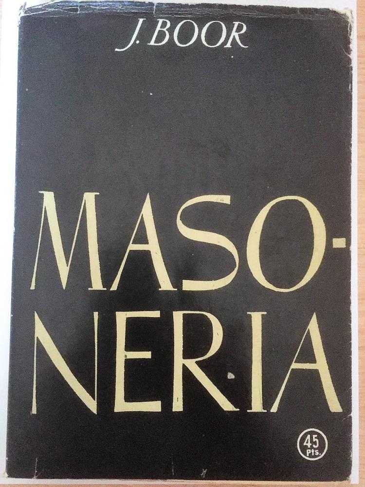 Libro que reecopila los artículos de Franco bajo seudónimo.