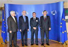 El autor de este artículo, segundo por la derecha, con las máximas autoridades europeas en 2012.