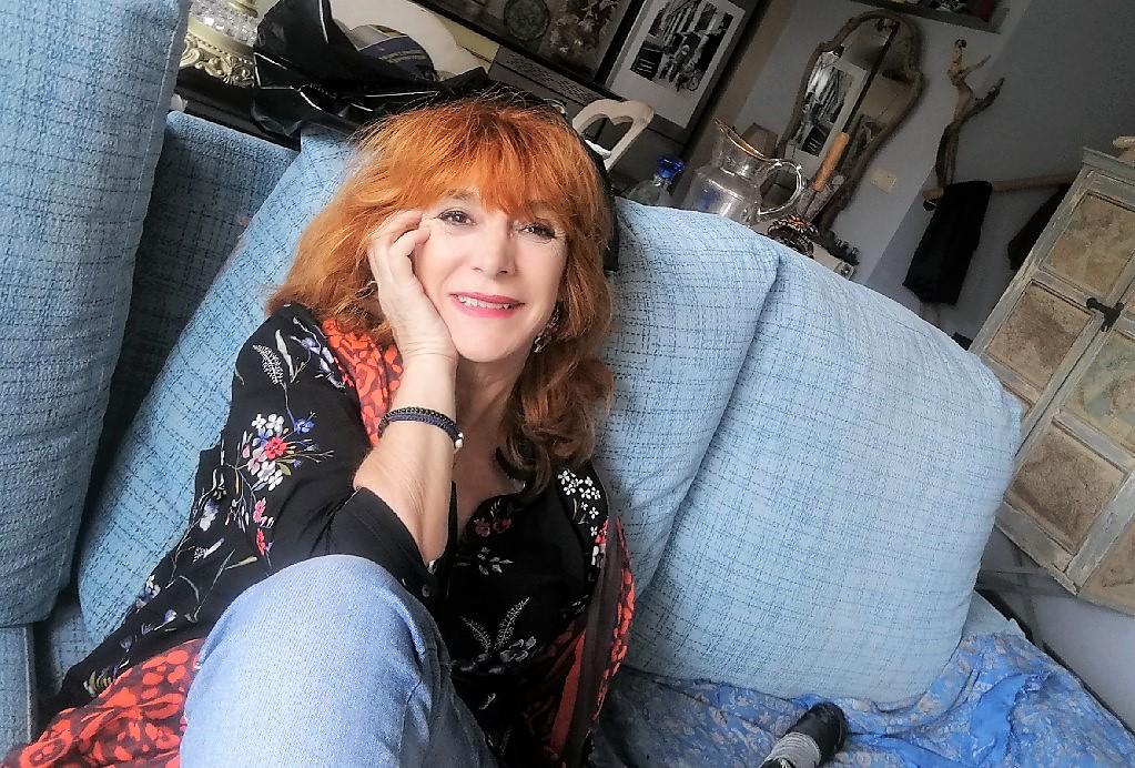 La autora, en su casa.