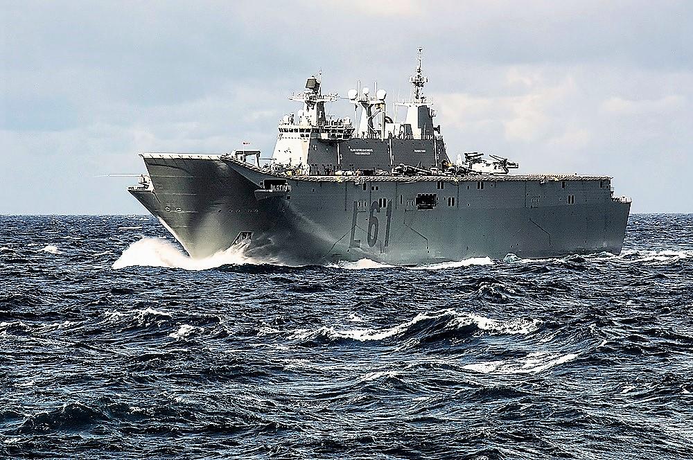 Francisco Bautista ha navegado en casi todos los buques de guerra españoles. En la imagen el portaaviones Juan Carlos I. ARMADA
