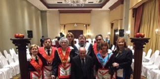 El Derecho Humano fue la primera Orden masónica mixta. En la imagen, miembros de una Logia argentina adscrita a dicha Orden.