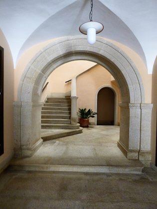 La bella entrada palaciega de la casa de Elisa, en el casco antiguo cacereño. PROPRONEWS
