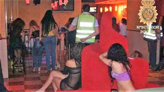 Operación contra las mafias explotadoras de mujeres. Un periódico que se precie no puede lucrarse de esto. MI