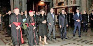 Borja Prado, presidente de ENDESA, con los reyes eméritos, en la inauguración de la nueva iluminación de la iglesia romana.