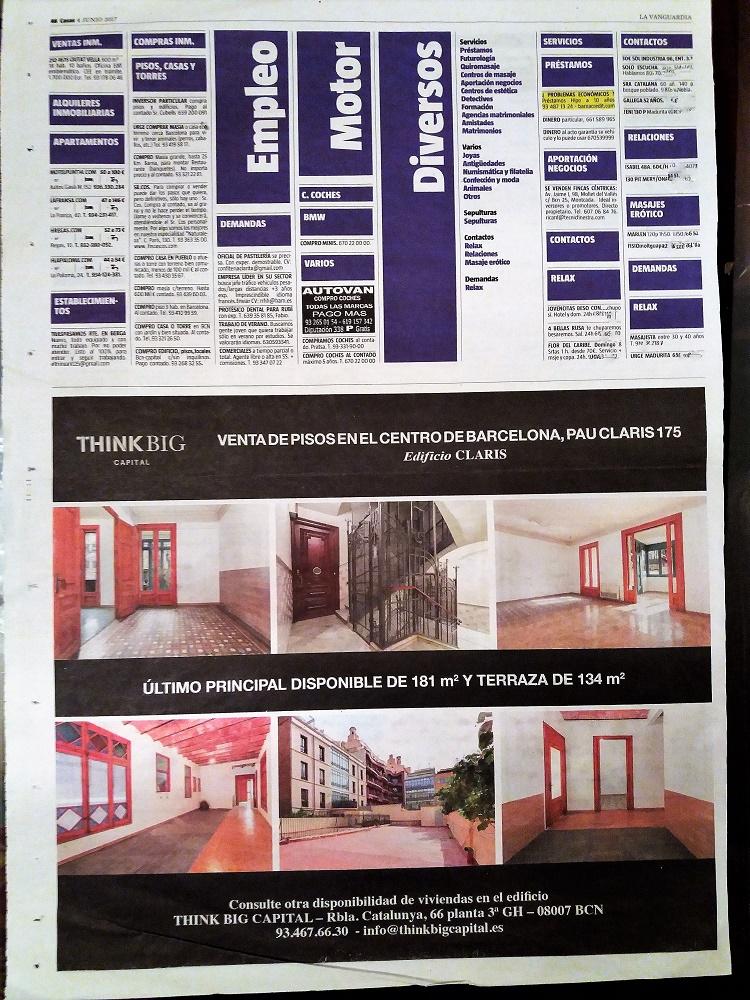 Página de un día cualquiera de La Vanguardia con anuncios de prostitución.