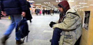 La calle nos muestra la punta del iceberg de la pobreza en España y la imposibilidad de millones de pagar el alquiler. RTVE