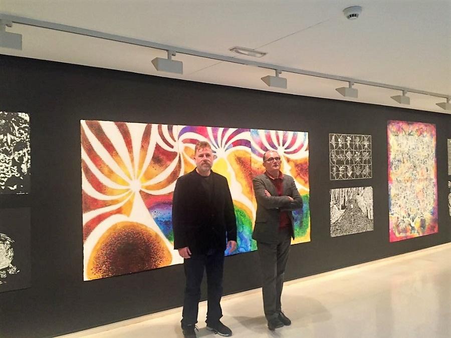 Federico, con José Miguel García Cortés, el director del IVAM, en la exposición.