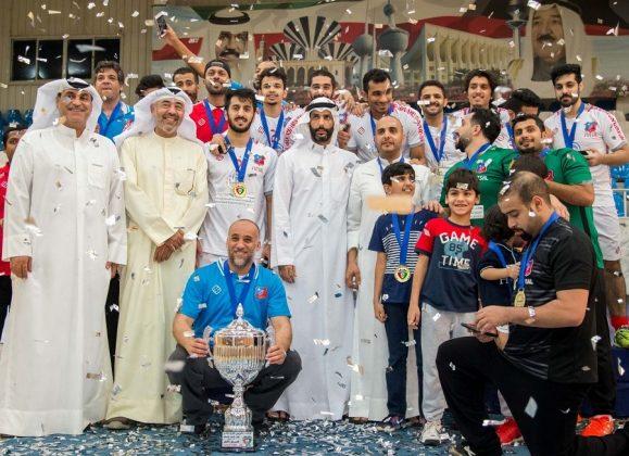 Tras ganar la Copa de Qatar, André, siempre humilde, primero por la izquierda en la segunda fila.