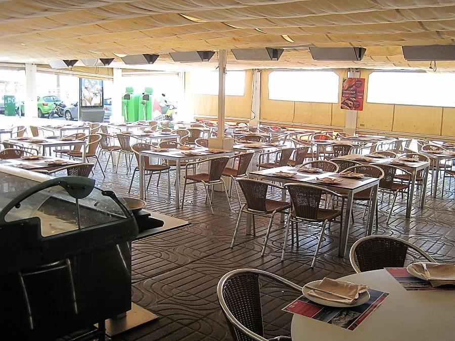 Terraza de La Marea, antes de que se llene, como cada día, de clientes. PROPRONews