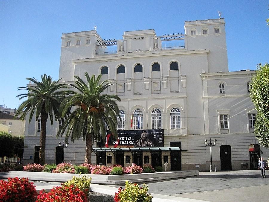 Teatro López de Ayala de Badajoz, salvado del derribo por José Manuel Villafaina. PROPRONews