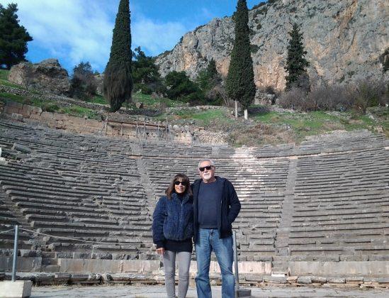 Con Lydia en el teatro de Delfos.