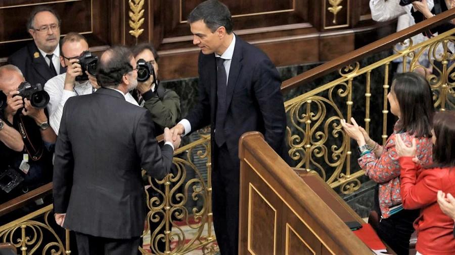 La derrota de un presidente ahogado por la corrupción. RTVE
