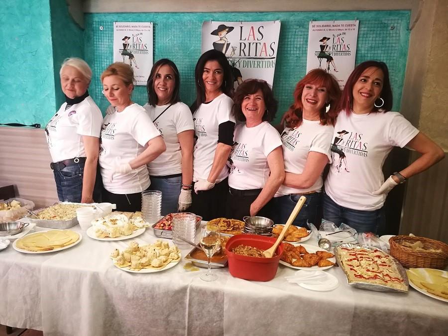 Las Ritas con sus riquísimos pinchos solidarios.