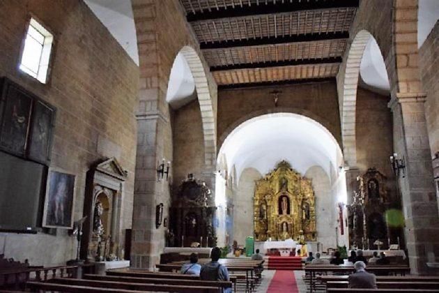 Iglesia de San Martín de Trevejo, con las pinturas de Morales.