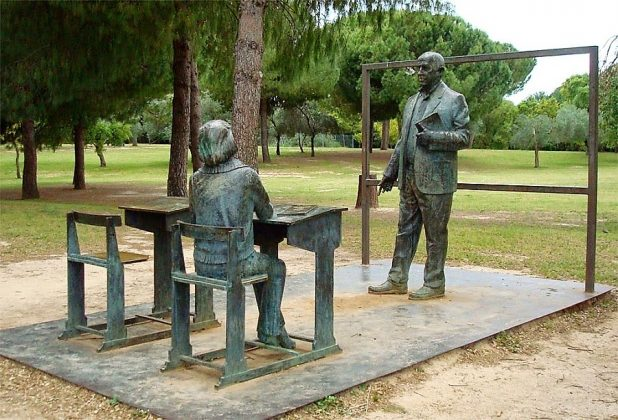 Monumento al Maestro. ZARABANDA