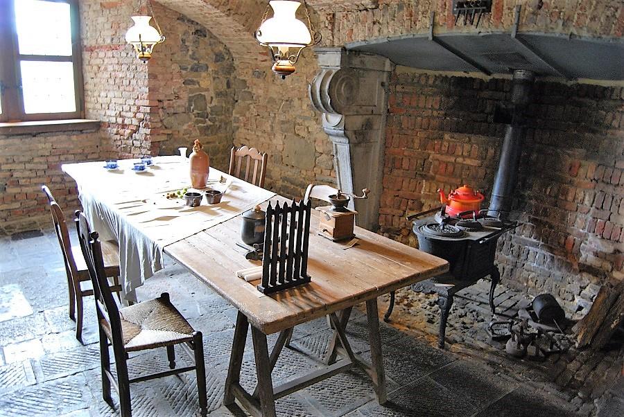 En el semisótano estaba el hogar y la amplia estancia comunal de los criados. J.M. PAGADOR