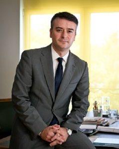 Iván Redondo, ahora con pelo, en la foto oficial de la Moncloa.