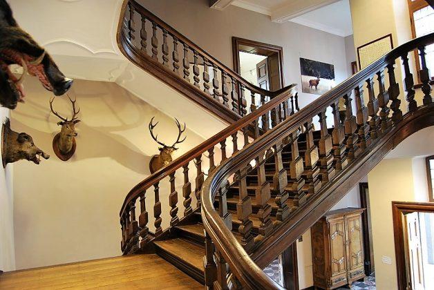 Una de las monumentales escaleras del castillo. J.M. PAGADOR