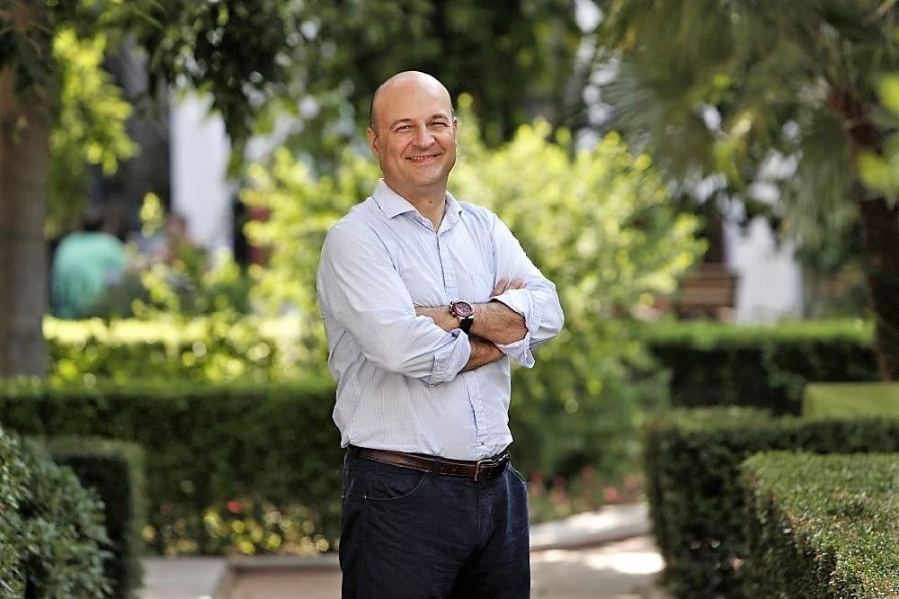 Óscar de Alfonso Ortega accede a una alta responsabilidad como cabeza visible de cuatro millones de masones en el mundo. GLE