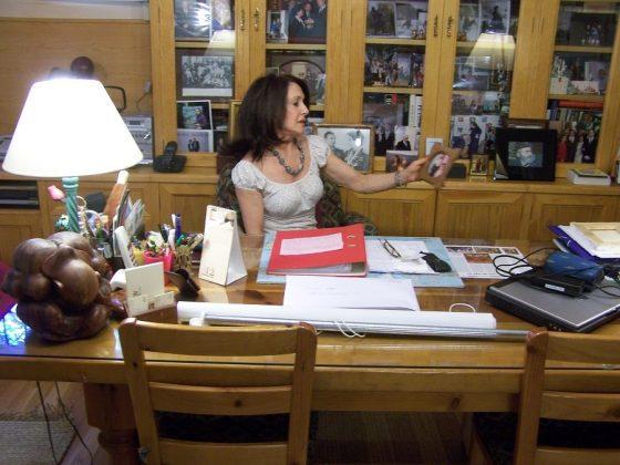 Dolores Tomás en su estudio. J.M. PAGADOR