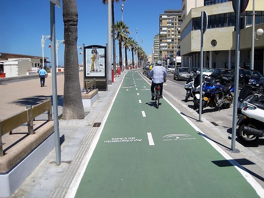 El carril bici va a circunvalar toda la ciudad y a unirla transversal y longitudinalmente. J.M. PAGADOR