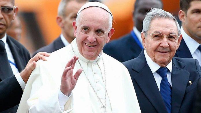 En Cuba, que al parecer tiene más méritos que España para ser visitada. RTVE