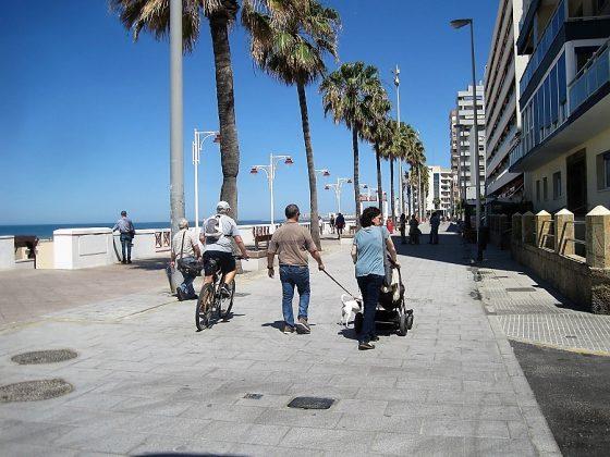 El nuevo paseo marítimo peatonalizado. J.M. PAGADOR