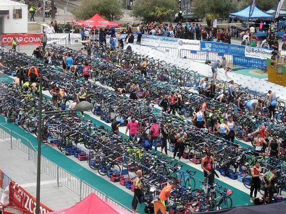 El Triatlon de Cádiz, una de las innumerables actividades deportivas y culturales de la ciudad. J.M. PAGADOR
