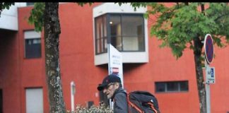 Josu Ternera, fotografiado por agentes de la Guardia Civil instantes antes de ser detenido. GUARDIA CIVIL