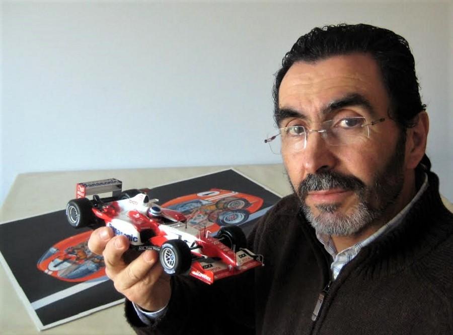 Antonio Eiras en su estudio.