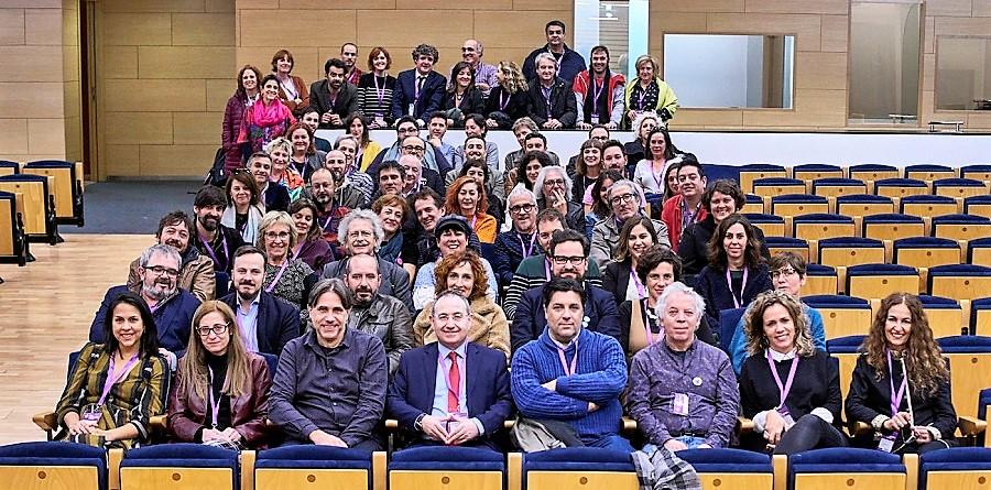 Miembros de FAETEDA, con Cimarro en el centro de la primera fila. FAETEDA