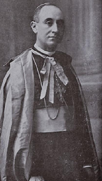 El obispo, de joven.