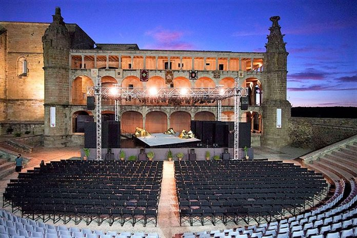 Escena y graderío del Festival de Alcántara, que este año no será posible. TURISMO EXTREMADURA