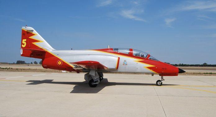 Este es el avión que pilotaba el fallecido en la Patrulla Águila. J.M. PAGADOR