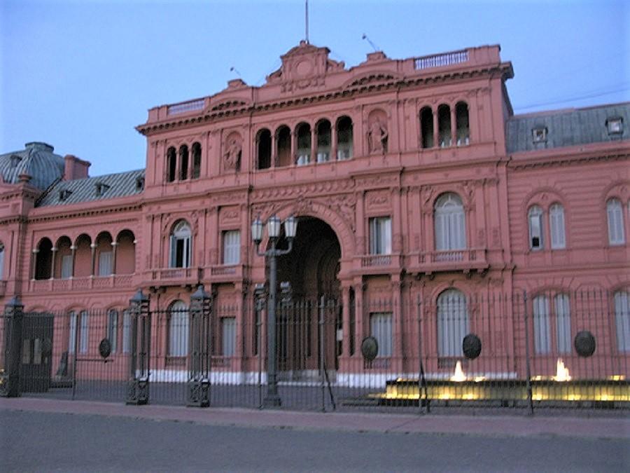 Deberían salir de la Casa Rosada bien contentos, ya que no perdieron, al contrario. RTVE