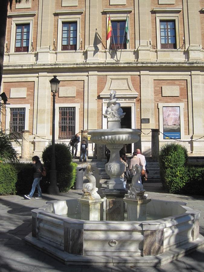 El Archivo de Indias es un bello edificio histórico contiguo a la catedral de Sevilla. J.M. PAGADOR