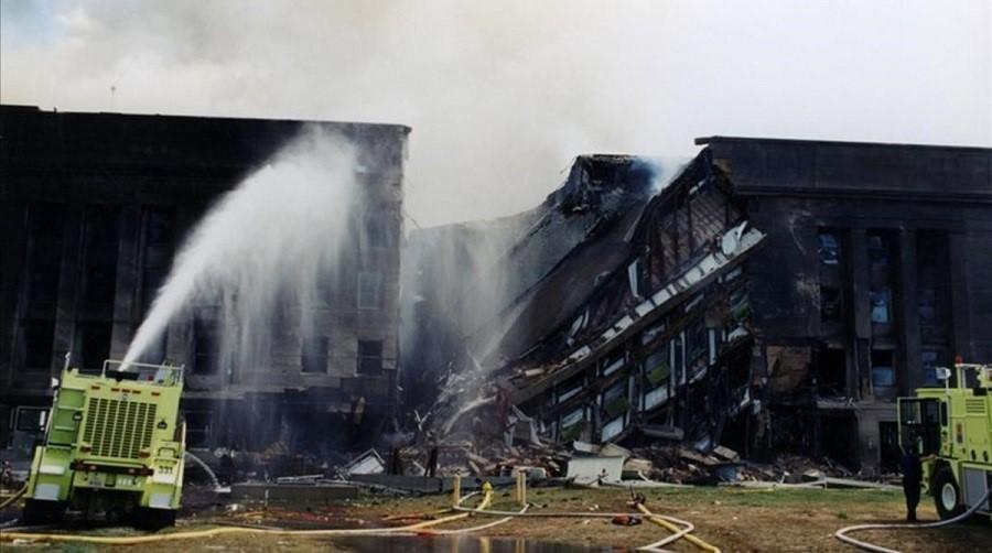 El Pentágono, después del ataque. FBI