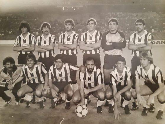 Con un equipo histórico del C. D. Badajoz.