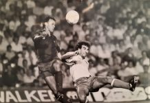 Juanma Generelo, disputando un balón en un encuentro de primera división con el Cádiz en el Camp Nou.