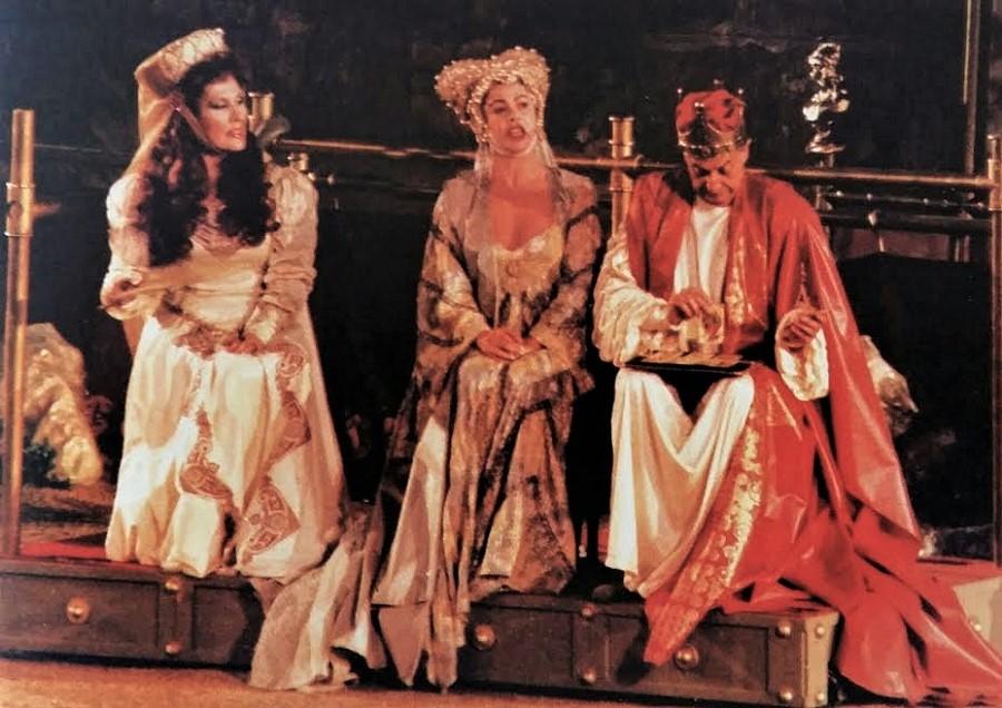 Escena de TIRANTE EL BLANCO, novela medieval del valenciano Joanot Martorell en versión de Francisco Nieva.