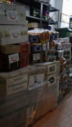 Parte de la ayuda humanitaria donada por Cáceres que ha llevado Patricia a Malakasa.
