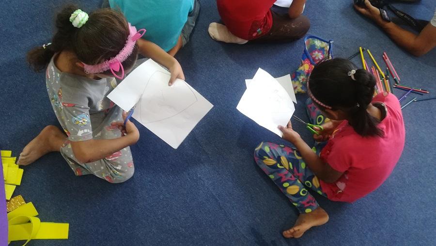 Los niños son objeto de atención preferente, como estos de un campo de Líbano.