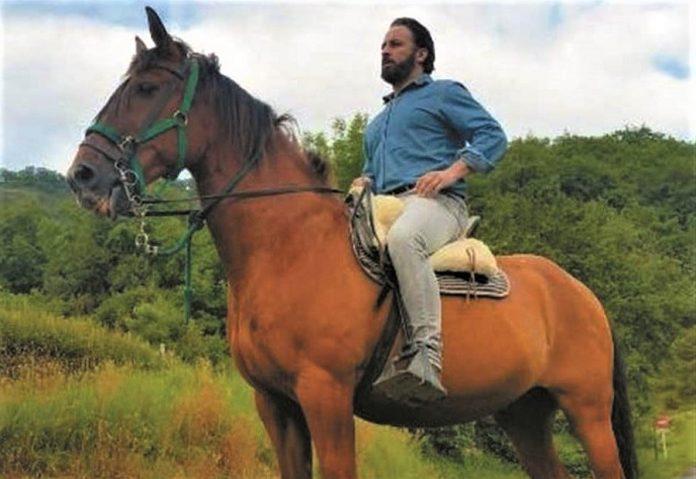 Vi a Abascal a caballo...