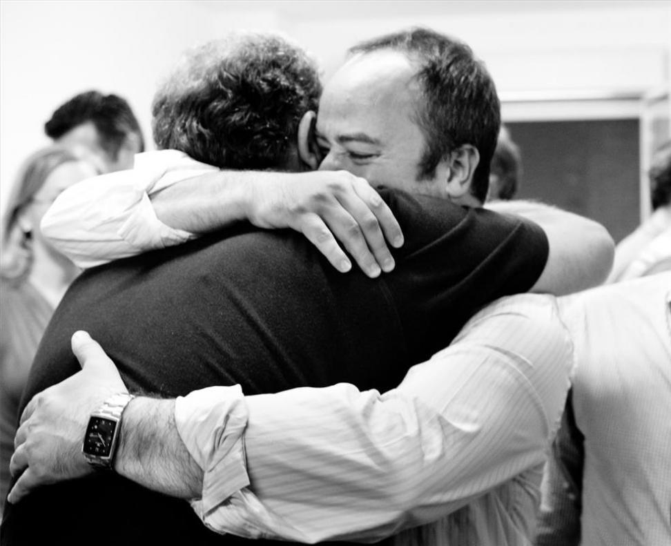 Monago entre los brazos de Redondo, un abrazo políticamente mortal.