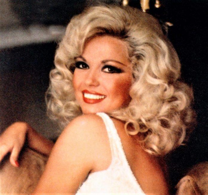 Fue la reina del flamenco pop en América y una estrella internacional.