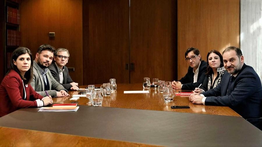 Una negociación de igual a igual, como si España y Cataluña fueran dos países distintos. RTVE